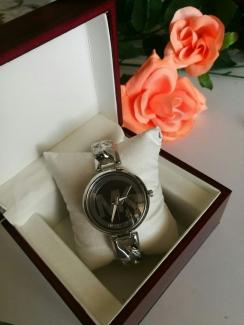, Наручные часы 197356